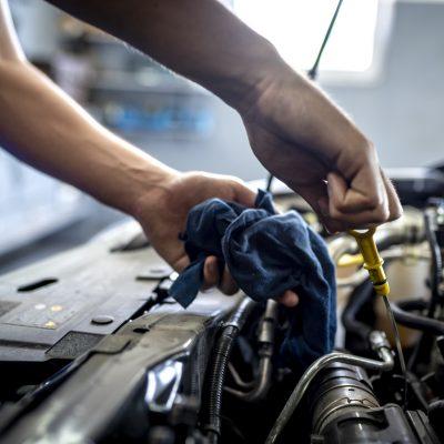 4 Ways to Save Money on Auto Repairs